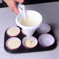 New arrival Cream Chocolate Funnel for Baking Cake Decorating pastry Batter Dispenser Candy Cake Kitchen Utensils Funnel Tools